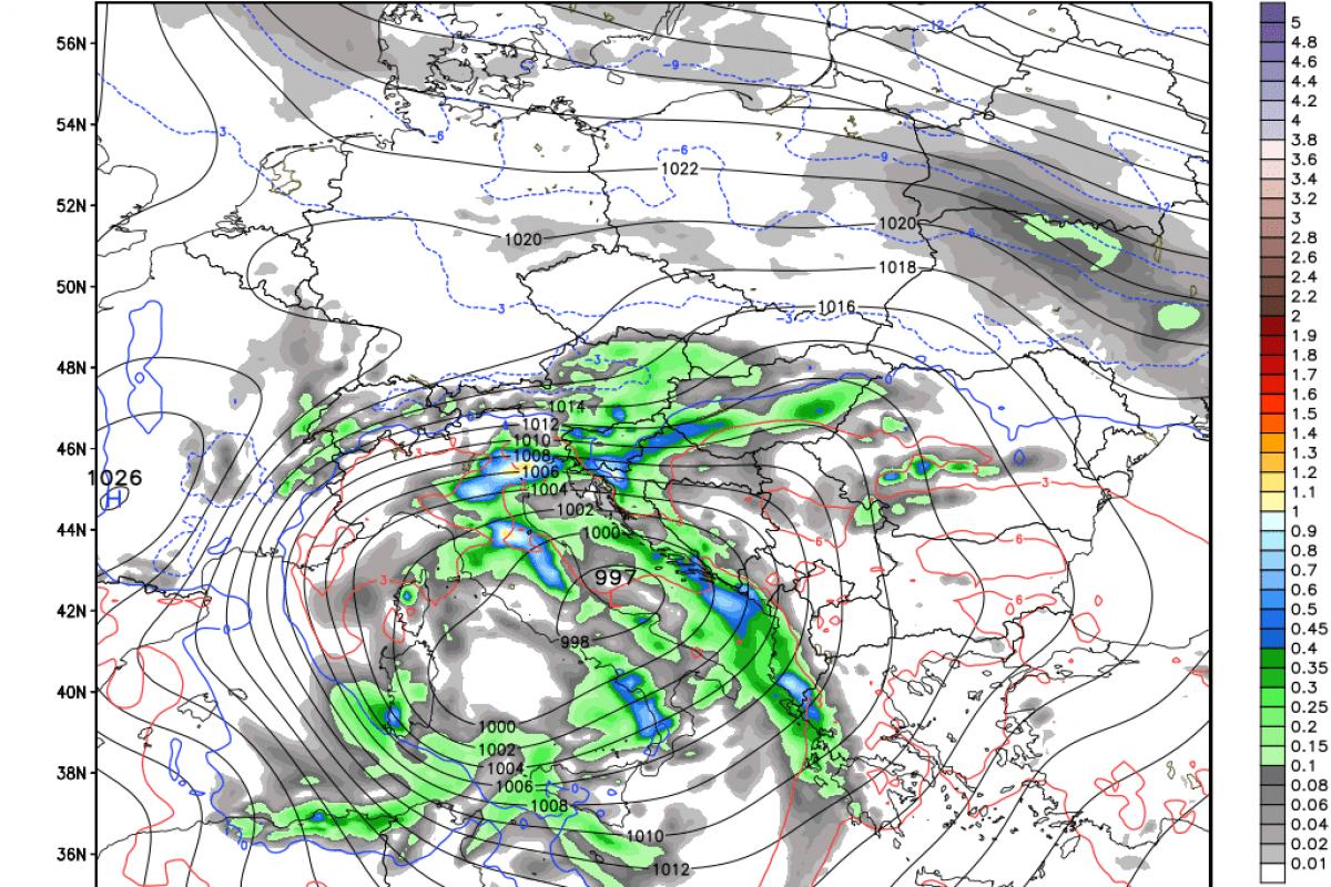 V ponedeljek izrazitejša sprememba vremena s padavinami, nadaljevanje tedna spet zimsko