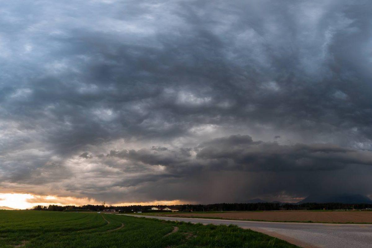 REPORTAŽA: Panorama nevihte nad Kamnikom