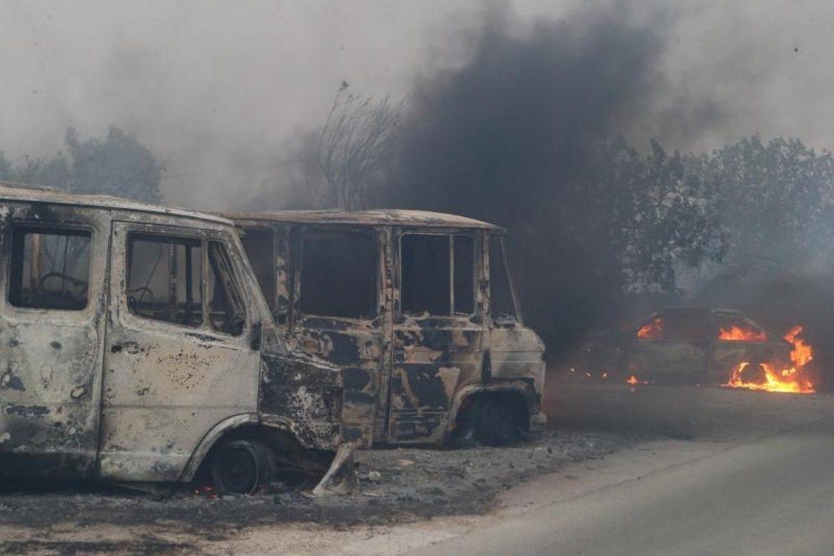 FOTO: Na območju Splita divja eden najhujših požarov v zgodovini Hrvaške