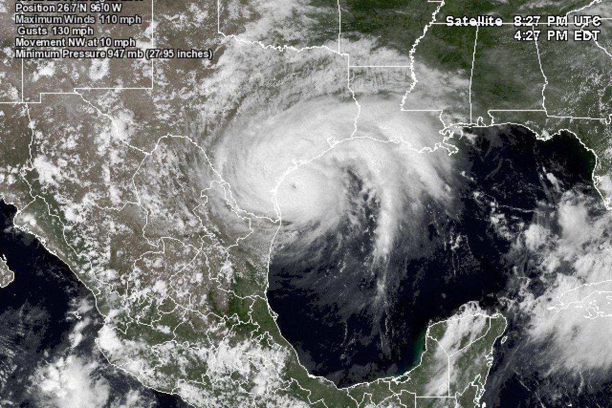 Uničujoč orkan Harvey zadel obalo Teksasa kot orkan 4. stopnje