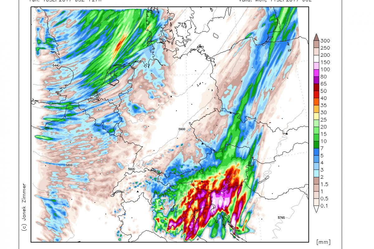 Prihajajo obilne padavine z nalivi, vodotoki bodo naraščali