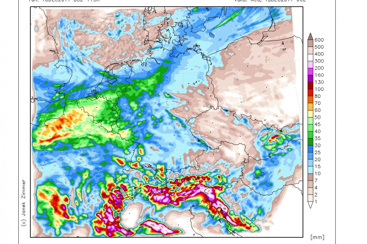 Z odjugo na zahod Slovenije prihaja tudi obilno deževje, obstaja nevarnost poplav