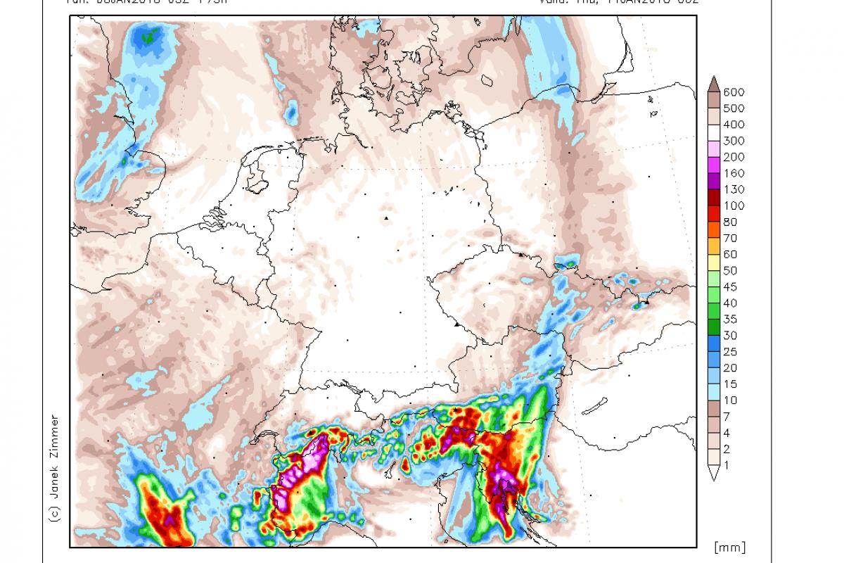 Prihaja deževje, ponekod možne tudi nevihte z močnejšimi nalivi