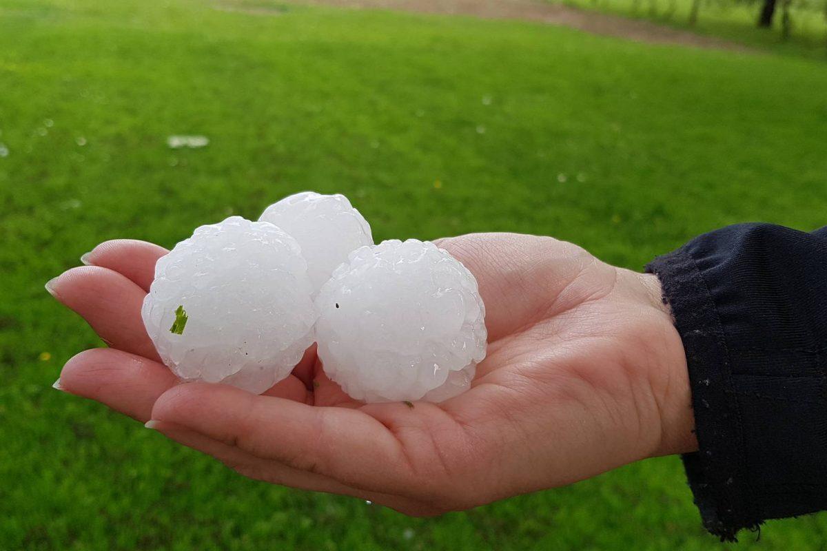 REPORTAŽA: Nad Prekmurjem so se v sredo razbesnele močne nevihte s točo
