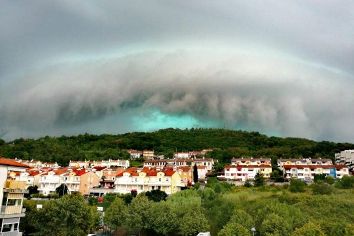Prihod nevihtne linije nad Obalo