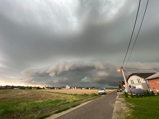 Prihod nevihte nad Pomurje, Foto: Renato Suhodolnik